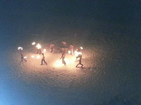 Sun Palace: Fire show on beach (from our room)