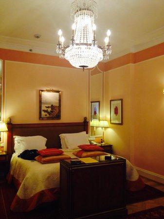 Belmond Grand Hotel Europe: Estupenda cama