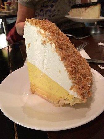 Carnegie Deli at the Mirage : Lemon meringue pie
