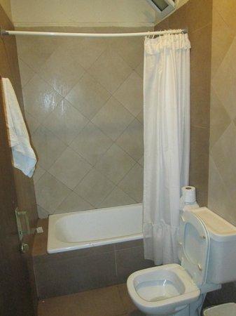 Milhouse Hostel Avenue : ducha con muy buena presion de agua y temperatura