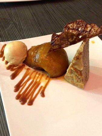 Les 3 Lunes : Superposition de crêpes, pommes tatin, caramel