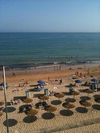 Hotel Sol e Mar : la vue à 19h depuis le balcon d'une chambre basique