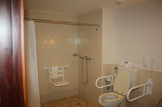 Hotel Cayo Santa Maria : Salle de bain complètement adaptée