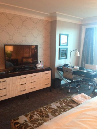 Four Seasons Hotel Las Vegas: Huge flat screen and plenty of storage space
