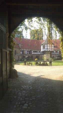 Hotel und Spa Wasserschloss Westerburg: Burghof