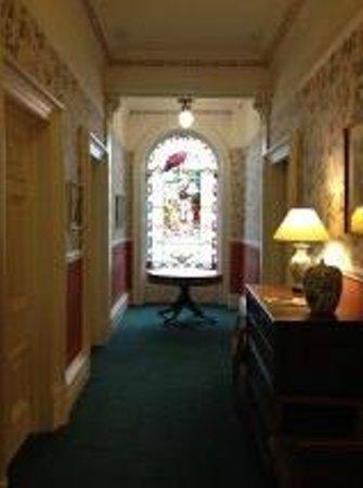 Astley Bank Hotel: The hallway