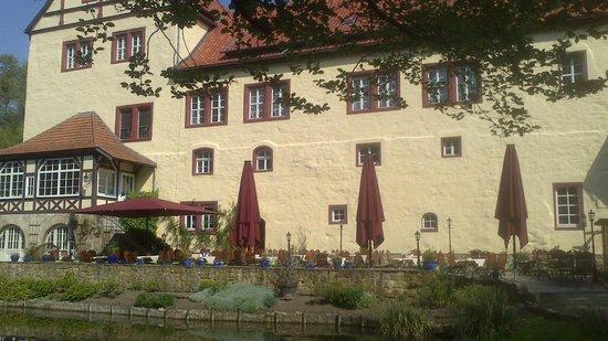 Hotel und Spa Wasserschloss Westerburg: Terassenbereich des Restaurants