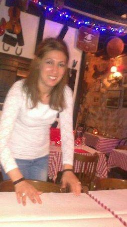 Saveur de Savoie: Cameriera