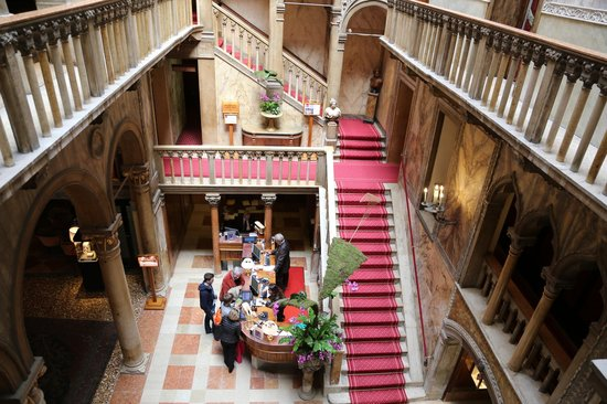 Hotel Danieli, A Luxury Collection Hotel: Hall (vue de l'étage)