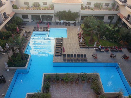 Red Hotel Marrakech: widok na basen