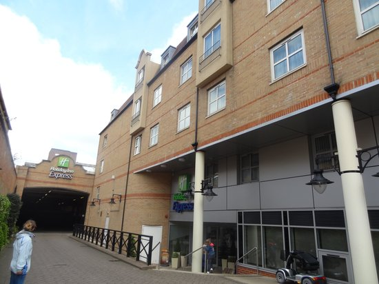 Holiday Inn Express London - Hammersmith: Wejście