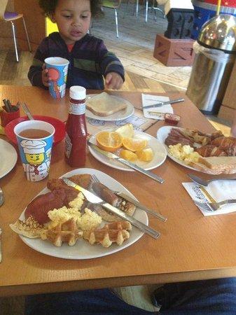 Legoland Windsor Resort Hotel: Breakfast
