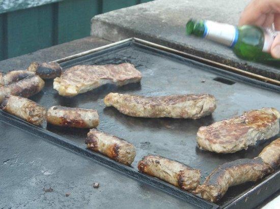 Country Club Tasmania : Outdoor Kitchen (BBQ)