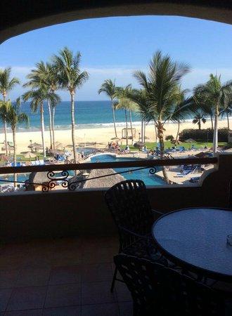 Worldmark Coral Baja: 4th floot balcony, sitting on chair closest to sliding door
