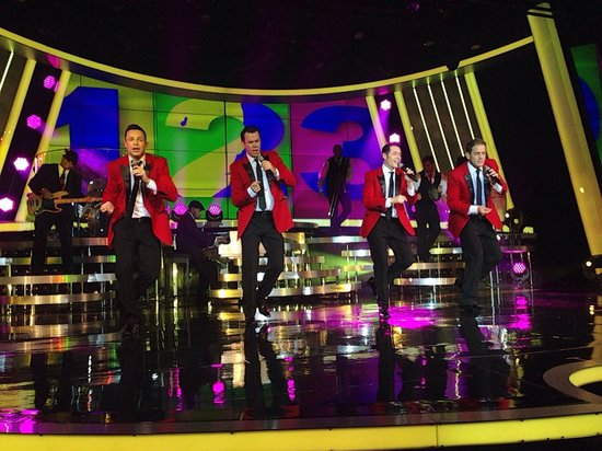 Human Nature: Jukebox : Excellent family show - If you love the sound of Motown you will love this show.