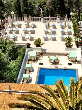 Villa Brunella: Pool and Sun deck