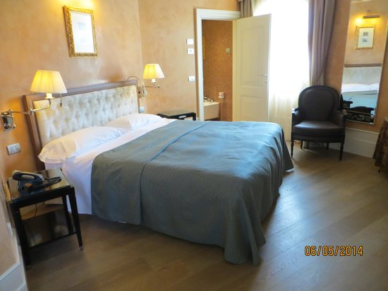 Hotel Moresco : The Gondalier room