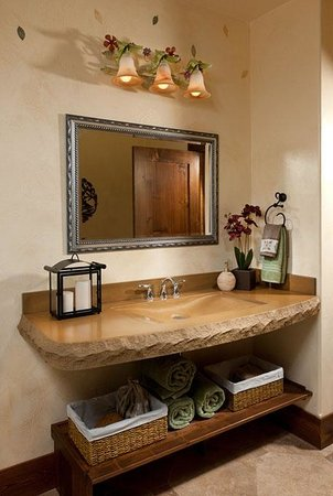 Cabin Creek Landing Bed & Breakfast: Bathroom