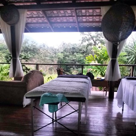 Princesa de la Luna Eco Lodge: Couples massages on the deck!