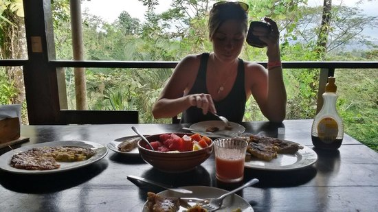 Princesa de la Luna Eco Lodge: Costa Rican Breakfast