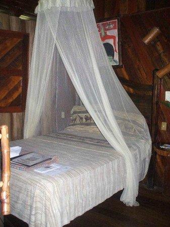 Hotel La Costa de Papito: Bed