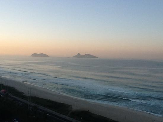 Gran Nobile Rio de Janeiro Barra: sunrise from room 1503
