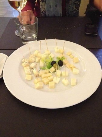 Concordia Ristorante: Don't ask for cheese plate!!! The price is 180CZK for 5 kinds of cheese! But you will get just 3