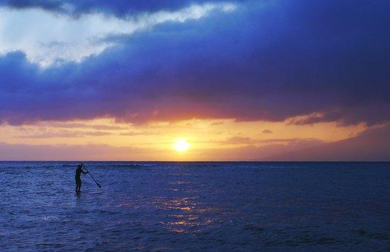 Royal Kahana: Sunset from the beach