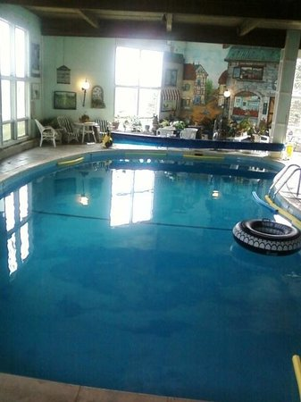 Brass Lantern: pool scene facing South