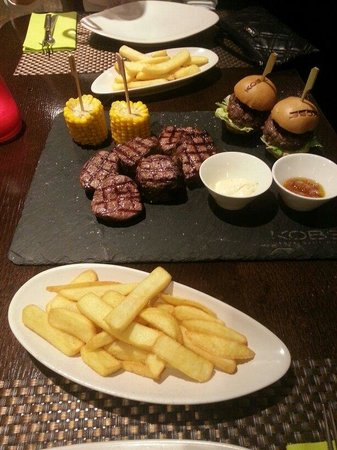 KOBE Steak Grill Sushi Restaurant Vaclavske nam.: Mixed grill for 2. Very good meat!