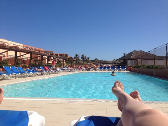 Ramla Bay Resort : Pool by the hotel veeeery cold :)