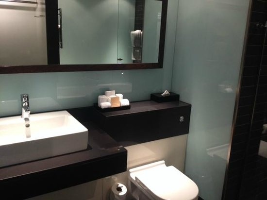Radisson Blu Edwardian New Providence Wharf Hotel: Bathroom