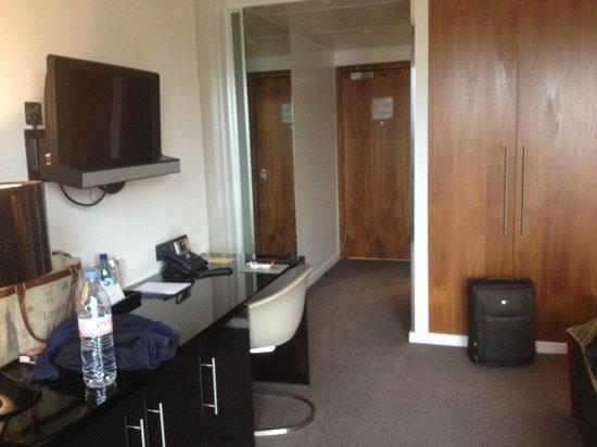 Radisson Blu Edwardian New Providence Wharf Hotel: Room