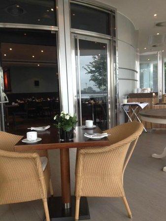 Radisson Blu Edwardian New Providence Wharf Hotel: Breakfast time