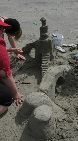 Sandcastle Lessons: Castle tower in process