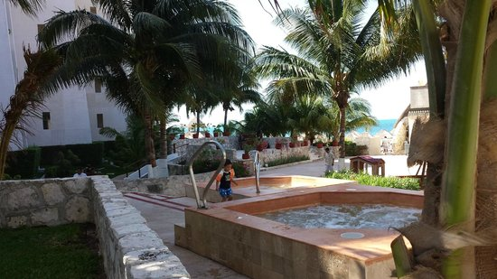 Casa Maya Cancun: Nice ground area