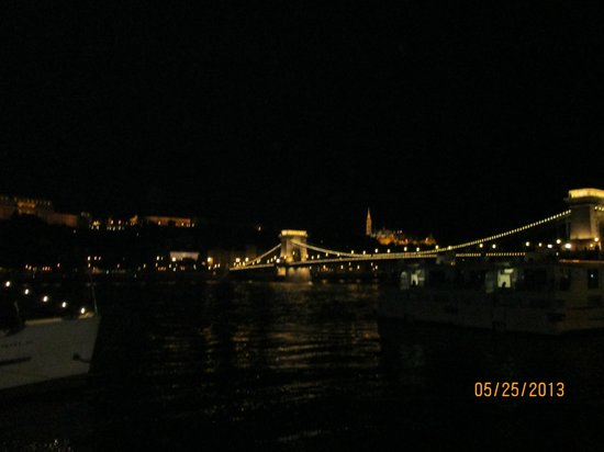 Sofitel Budapest Chain Bridge: Great view from room facing the river.
