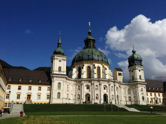Benediktinerabtei Ettal : an impressive dome