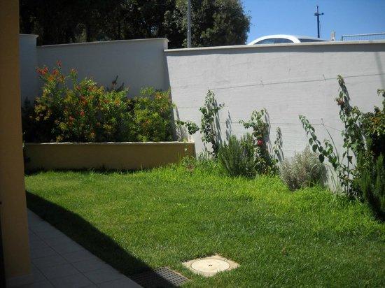 Residence La Pergola : giardino