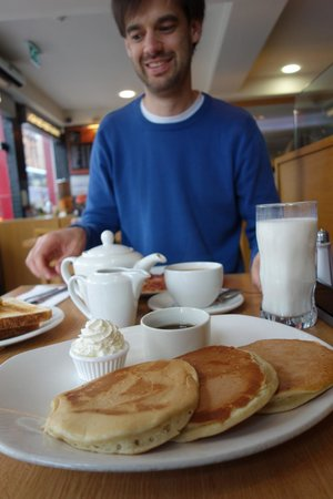 The City Restaurant: Try the pancakes! Mmmm...