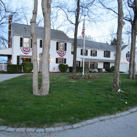 The Doubleday Inn: Exterior