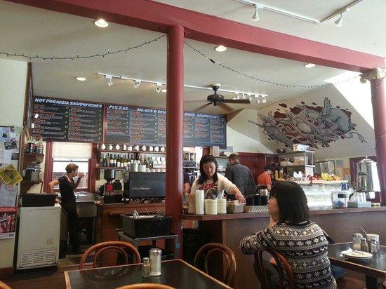 Caffe Sapore: The counter