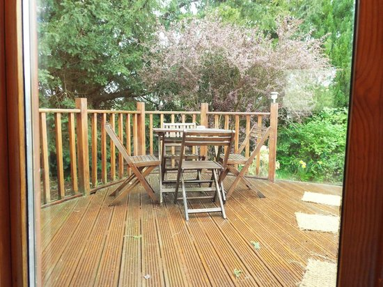 Meikleour Beech Hedge: Tay Lodge Decking Area