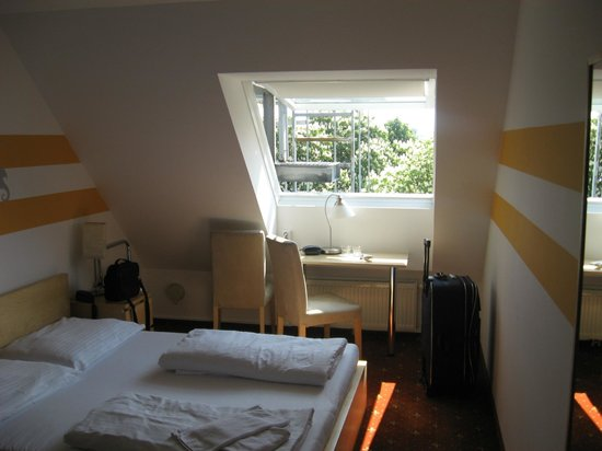 Hotel Lenas Donau: our room no.472