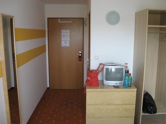 Hotel Lenas Donau: our room no.472