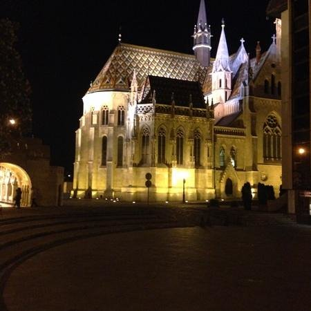 Buda Castle Fashion Hotel : Matthias Church 5 minutes from hotel