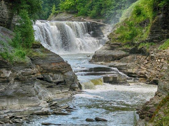 Letchworth State Park : falls