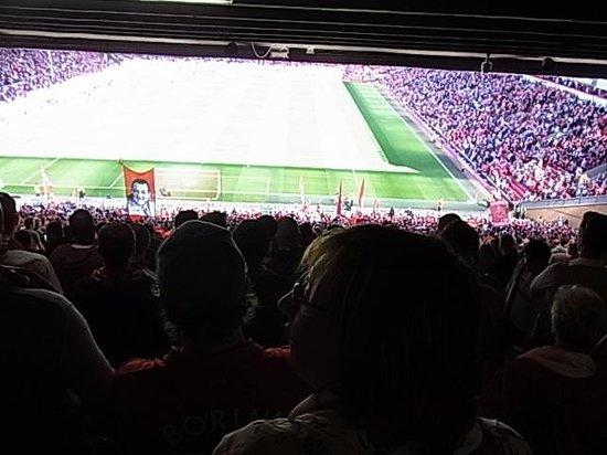 Anfield Stadium : KOPからの眺め