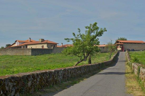 Casa de Maside: Camino de entrada
