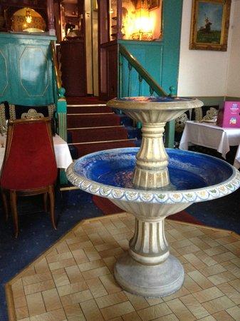 Mamounia: fontaine dans la grande salle